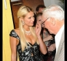 Celebrities - Paris Hilton Cleavage!